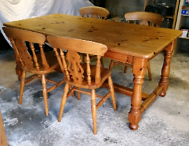 6ft pine dining table & 4 chairs