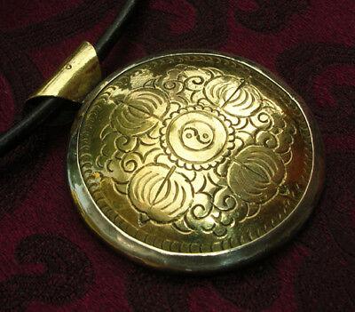 Pretty Silver Buddha-Amulett from Nepal Yin Yang & Dorje