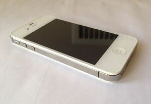 Apple iPhone 4S 32GB White Bell Virgin Like New 10/10 Condition