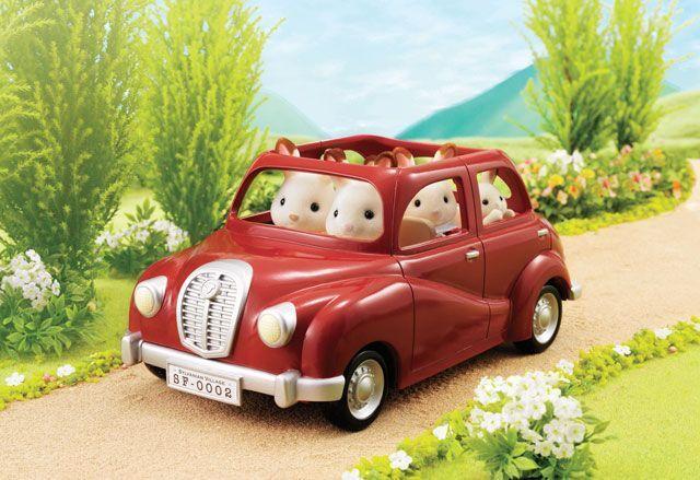 Sylvanian Families Family Saloon Car – Red