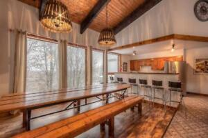 New Years Eve - 8 Bed Blue Mountain Ski Chalet with Hot Tub