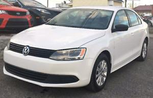 Volkswagen Jetta blanche 2011