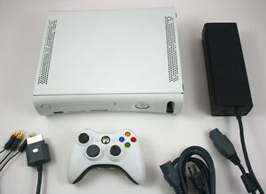 XBox 360 + 1 manette + cables