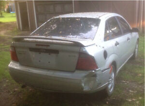 PARTING OUT 2005 Ford Focus ZX4 SE London Ontario image 5