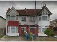 STUNNING LARGE ONE BED FLAT AVAILABLE @ HARROW WEALD - £ 1100 / MONTH