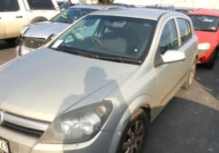 Holden Astra ah 2006 Wrecking Parts Available