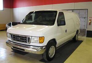 2004 Ford E-150 Base Minivan, Van
