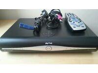 Sky + HD box model: DRX890-R