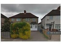 3 bedroom house in Cambridge Road, Kingston, KT1 (3 bed)