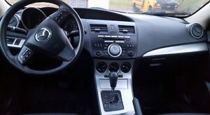 2010 Mazda 3 Sport 2.5L **loaded with safety & etest** Windsor Region Ontario image 9