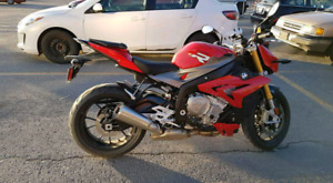 2016 BMW S1000R RED LOW KM & FULLY LOADED