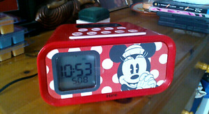 Ipod Touch Speaker/Clock
