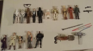 Vintage Star Wars figures, boardgame, bed cover, book, photos.