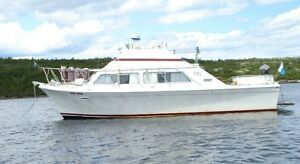 "For Sale"" 32' Luhrs Yacht"