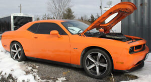2014 Dodge Challenger Coupe (2 door)