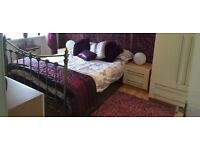 Available for immediate lease one bedroom flat