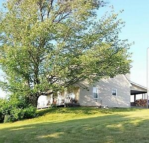 Renovated Farm House close to Bridgewater!