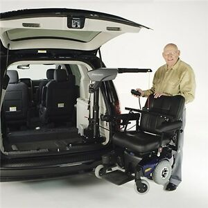 2013 Caravan with wheelchair/scooter lift