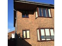 2 bedroom flat in South Coast Road, Peacehaven, BN10 (2 bed) (#1040784)