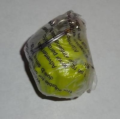 Tupperware Mini Cupcake Muffin Keeper Keychain Lime Green Gadget Opens Rare NEW