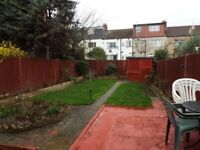 3 bed lovely home for rent. 5 minutes to east ham station and A406.
