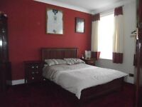 Large Double Room in E13 Zone2/3. Bills Included! 15 mins WALK to Canning Town station