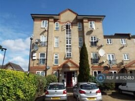 2 bedroom flat in Tollgate Road, London, E6 (2 bed) (#1152483)