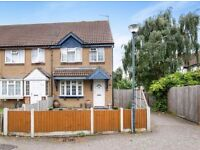 BEAUTIFUL 3 bedroom house with GREAT TRANSPORT SERVICES