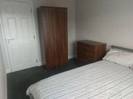 Room to let, Warwick Road Corby
