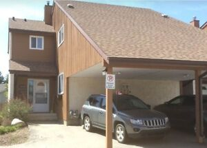 Beautiful townhouse end unit $1350.00 monthly