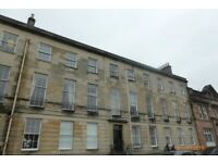 city centre 2 bedroom flat with 2 bathrooms in standstone building