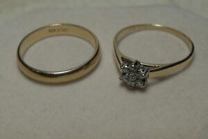 size 7.510k gold and diamond cluster set in excellent condition