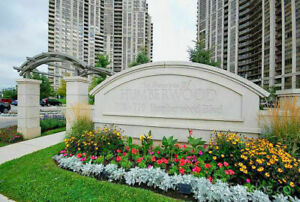 Furnished room, private bath, luxury condo humber north, Female