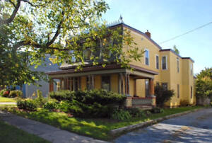 336 Dufferin Row - 2 Lg BR Historic Flat, H&L , Pets, Parking™