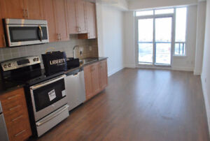 Luxury 1 Bedroom Condo With Parking at Yonge and Steeles