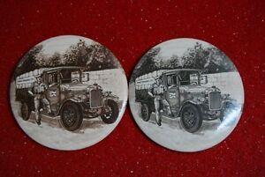 2 macarons de voitures anciennes pour livraison- 5.00 chaque