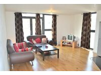 Two Bedroom Flat Just 5 Minutes Walk to Maze Hill Station Greenwich Great Location !!!