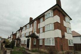 2 Bed 2nd floor flat Purpose Built flat to rent in Harrow Weald-BISHOP KEN ROAD
