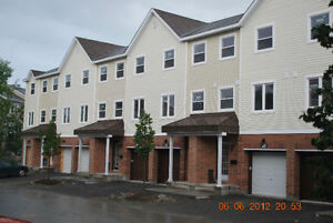 3BDR Town House Bells Corner, May 1st.
