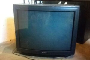 "Sony Trinitron 33"" CRT TV retro video gaming"