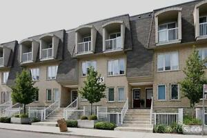 Toronto Room in a townhouse for rent at Davenport/Lansdowne