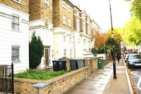 4 bedroom flat in Cambridge Road, Kilburn, NW6