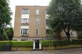 4 bedroom flat in Abbey Road, West Hampstead, NW6