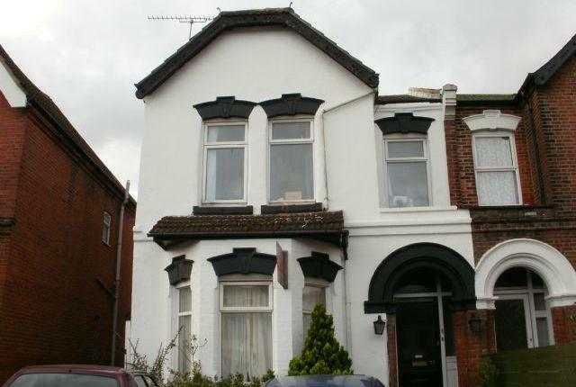 IDEAL STUDENT PROPERTY - Very large 9 bed house available in Portswood