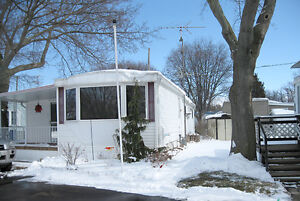 2 Bedroom mobile home for sale in Sarnia