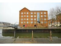 Stunning 1 bed Apartment with River Views in Aland Court SE16 £310pw