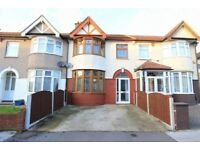 Studio flat based in Chadwell Heath