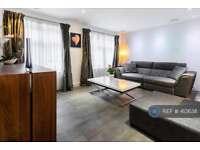2 bedroom flat in The Cobalt Building, London, EC2Y (2 bed)