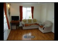 2 Bed Ground Floor flat in Kingsbury/ Kenton Border