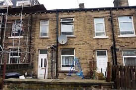 3 bed spacious mid terrace house for rent